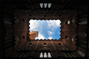 The Palazzo Publico in Siena, Italy. Credit: Penn Provenance Project, used by Creative Commons Attribution License